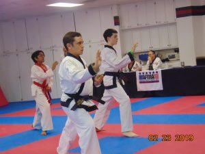 teenagers karate class
